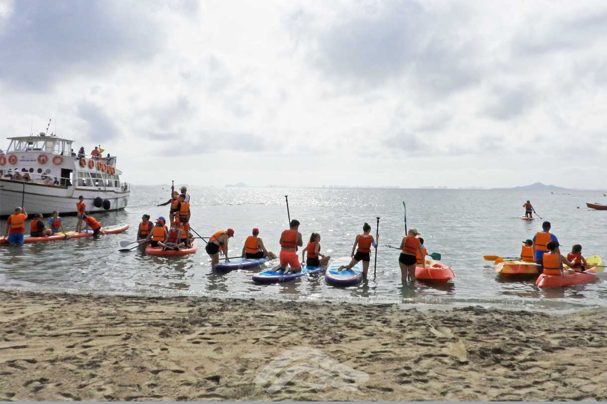 Una jornada náutica con niños y adultos