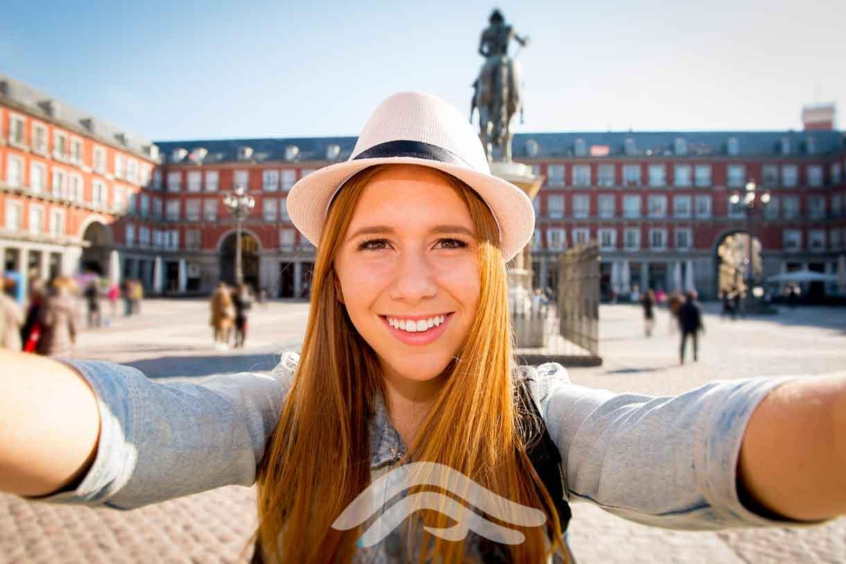 Viaje de estudios Secundaria visita laza Mayor Madrid